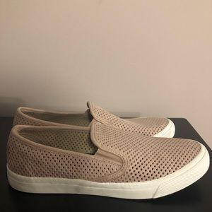 Sperry Seaside Perforated Slip-on